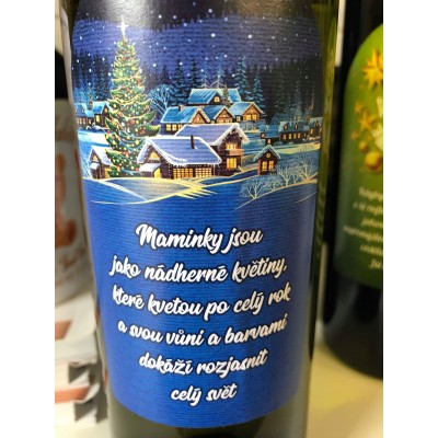 """Víno s etiketou """"Maminky jsou jako nádherné květiny, které kvetou po celý rok..."""""""