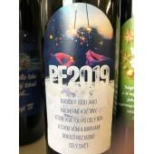 """Víno s etiketou """"PF2019 Babičky jsou jako nádherné květiny, které kvetou po celý rok..."""""""