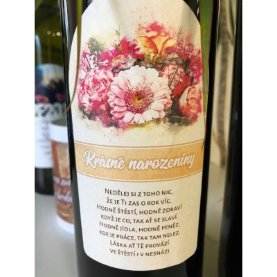 """Víno s etiketou """"K NAROZENINÁM"""""""